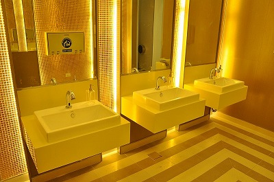Modern%20rest%20rooms%20Don%20Mueang%20Airport%20-%203.jpg